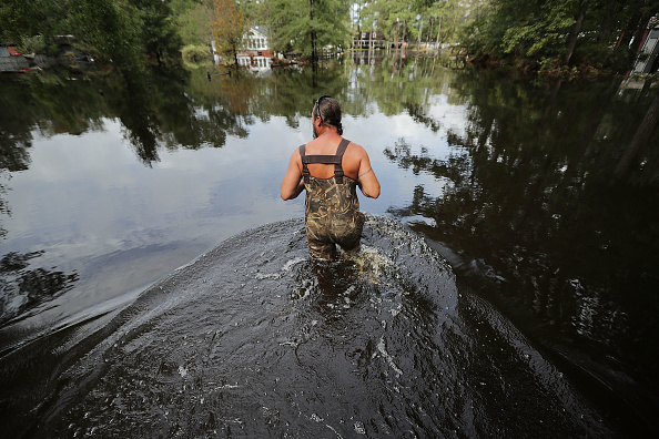 Chip Somodevilla「Carolinas' Coast Line Recovers From Hurricane Florence, As Storm Continues To Pour Heavy Rain On The States」:写真・画像(1)[壁紙.com]