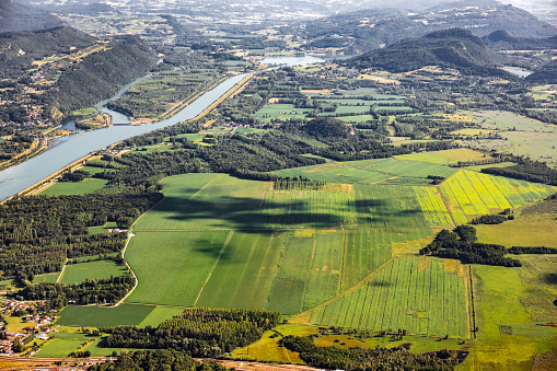 Bugey「Beautiful hilly French landscape aerial view in middle of Bugey mountains in Ain department near Savoie, with Rhone River, vibrant green fields and famous Lake Bourget not far, shot in summer」:スマホ壁紙(16)