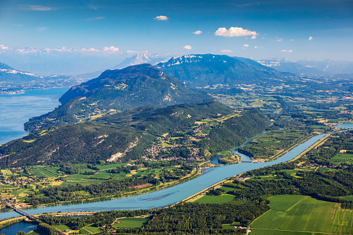 Lake Bourget「Beautiful hilly French landscape aerial view in middle of Bugey mountains in Ain department near Savoie, with Rhone River, vibrant green fields and famous Lake Bourget not far, shot in summer」:スマホ壁紙(17)
