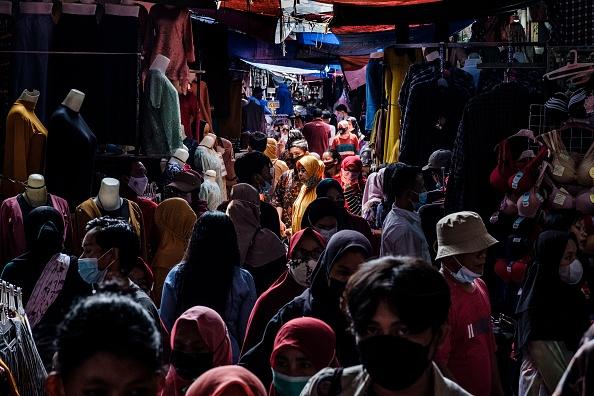 Bestof「Indonesians Shop For Textiles Ahead Of Eid al-Fitr」:写真・画像(0)[壁紙.com]