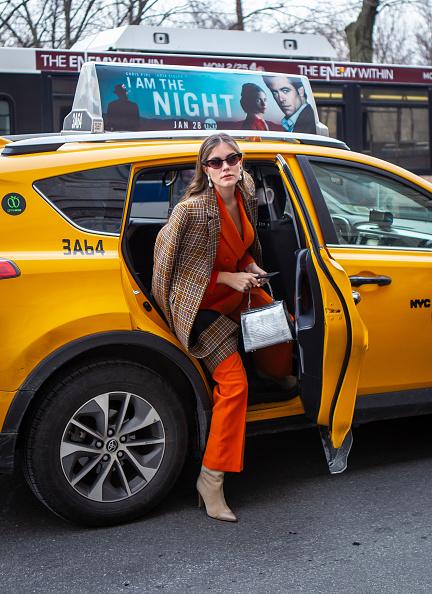 ニューヨークファッションウィーク「Street Style - New York Fashion Week February 2019 - Day 5」:写真・画像(7)[壁紙.com]