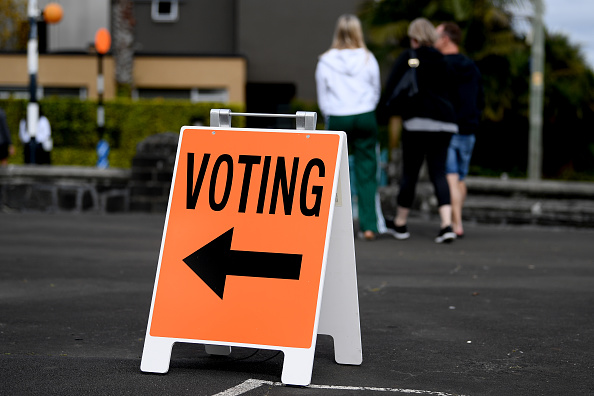 Delayed Sign「New Zealanders Head To The Polls To Vote In 2020 General Election」:写真・画像(17)[壁紙.com]