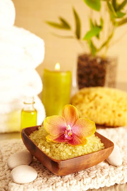 Spa still life with sea salt scrub and flower, bathroom:スマホ壁紙(壁紙.com)