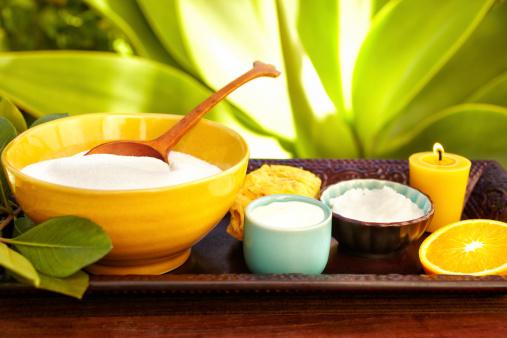 Resort「Spa still life with moisturizer, scrub, exfoliation sponge and candle」:スマホ壁紙(9)