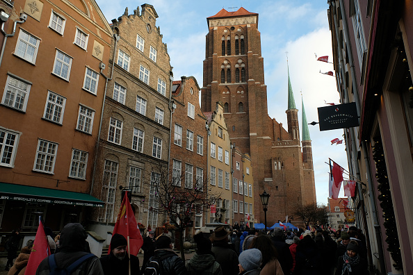 バシリカ「Gdansk Holds Funeral For Murdered Mayor Adamowicz」:写真・画像(0)[壁紙.com]