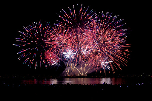Flowing Water「Firework display, Canada」:スマホ壁紙(12)