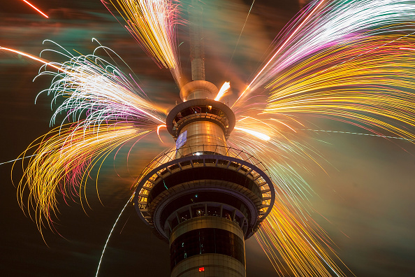 New Year「New Years Eve Fireworks In New Zealand」:写真・画像(0)[壁紙.com]