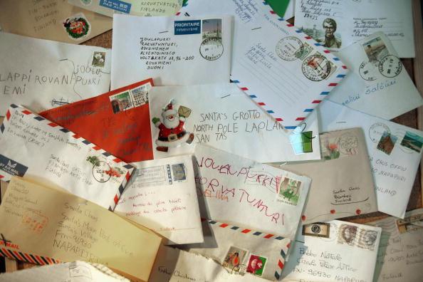 Santa Claus「Children Revel In Spirit Of christmas At Lapland UK」:写真・画像(5)[壁紙.com]