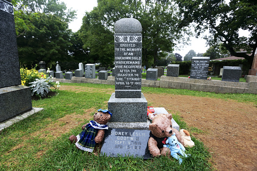 Doll「Titanic Grave Site」:スマホ壁紙(8)