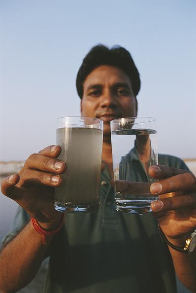 Dirty「Polluted Ganges」:写真・画像(1)[壁紙.com]