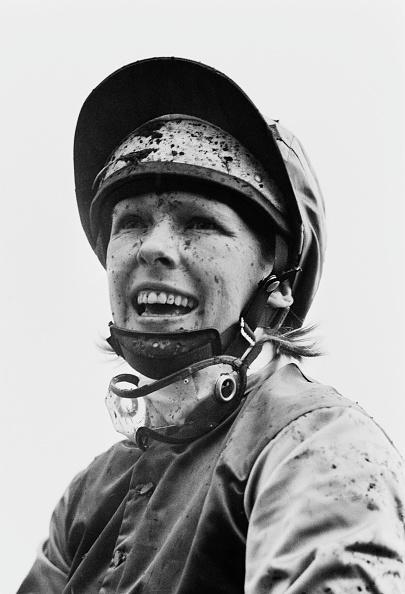 スポーツヘルメット「Meriel Patricia Tufnell」:写真・画像(17)[壁紙.com]