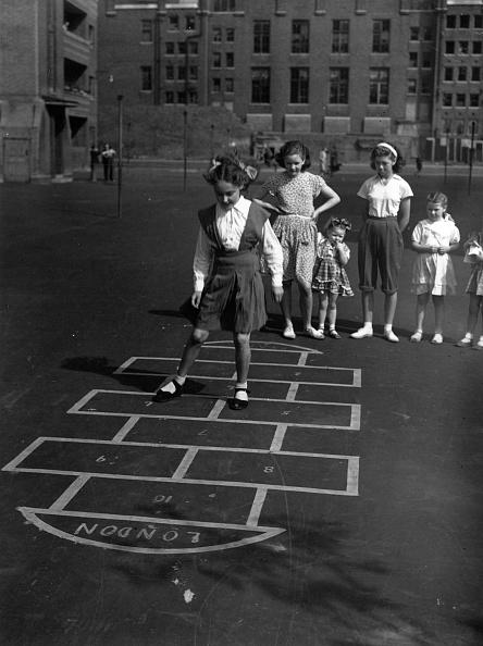 Monty Fresco「Hopscotch」:写真・画像(2)[壁紙.com]
