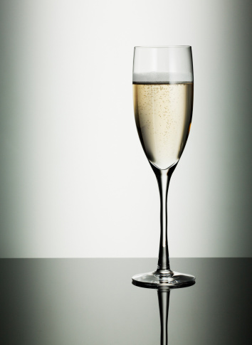記念日「グラスのシャンパン」:スマホ壁紙(4)