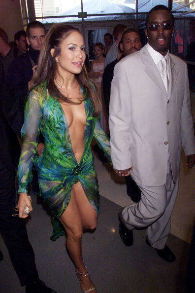 "Green Dress「Sean ""Puffy"" Coombs and Jennifer Lopez」:写真・画像(7)[壁紙.com]"