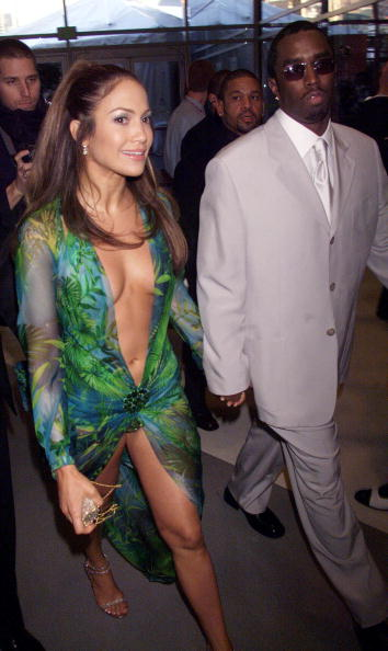 "Green Dress「Sean ""Puffy"" Coombs and Jennifer Lopez」:写真・画像(5)[壁紙.com]"