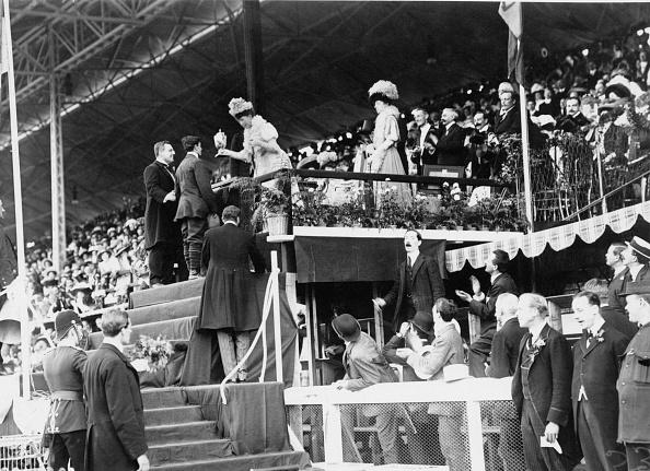 1908年「Pietri's Gold Cup」:写真・画像(0)[壁紙.com]