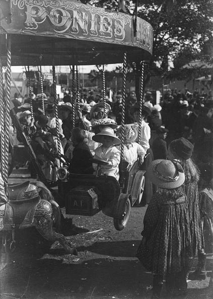 Amusement Park Ride「Funfair」:写真・画像(16)[壁紙.com]