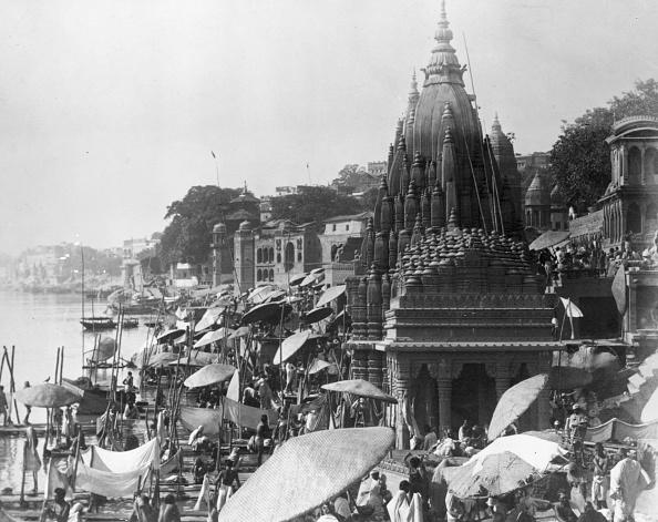 Architectural Feature「Ghats At Benares」:写真・画像(17)[壁紙.com]