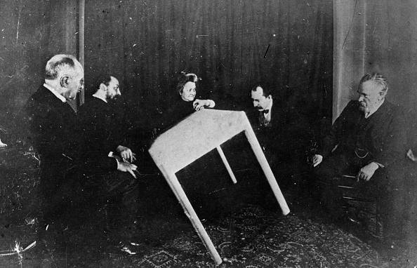 1900-1909「Seance」:写真・画像(0)[壁紙.com]