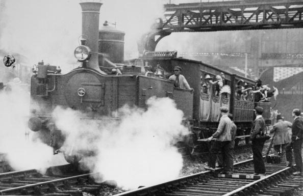 Finance and Economy「Steam Train」:写真・画像(5)[壁紙.com]