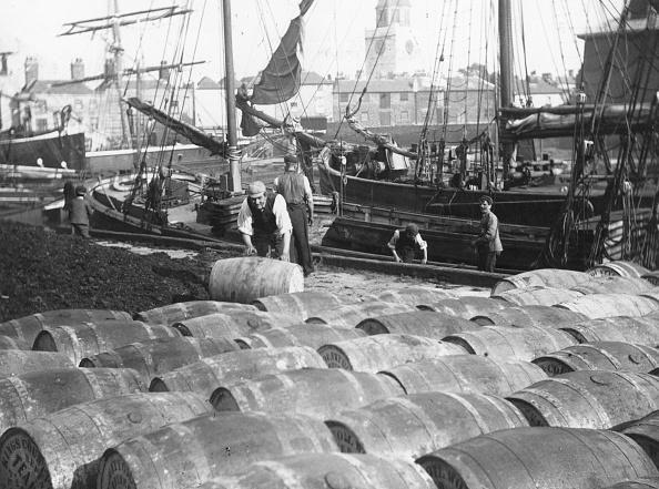 Industrial Equipment「Portsmouth Docks」:写真・画像(10)[壁紙.com]