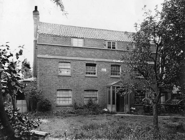Adventure「Old Manor House」:写真・画像(18)[壁紙.com]