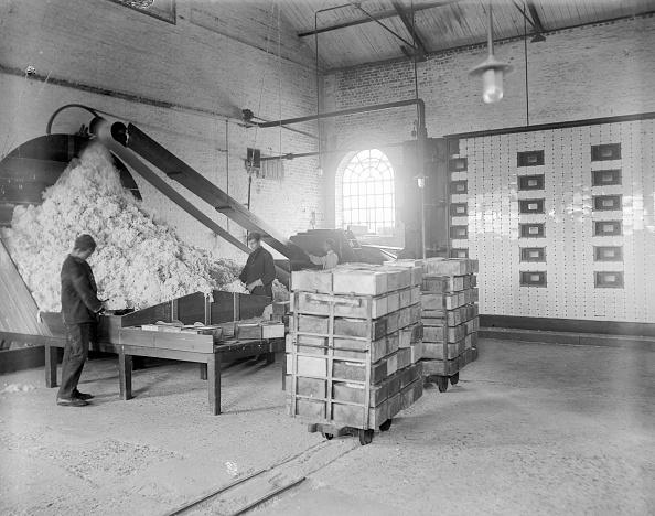 Reinhold Thiele「Explosives Factory」:写真・画像(17)[壁紙.com]