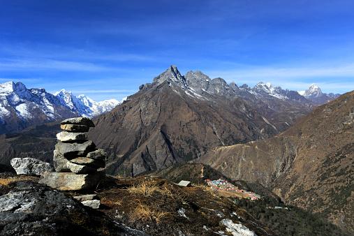 Khumbu「Prayer Stones Tengboche Ri Hill」:スマホ壁紙(13)