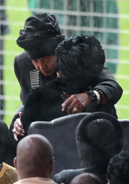 Christopher Furlong「The Official Memorial Service For Nelson Mandela Is Held In Johannesburg」:写真・画像(1)[壁紙.com]