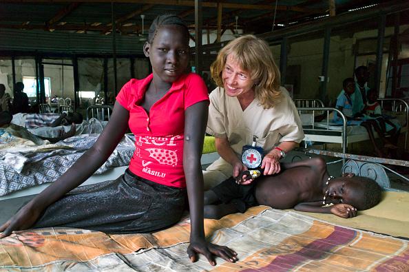 Two People「Red Cross Hospital In South Sudan」:写真・画像(16)[壁紙.com]