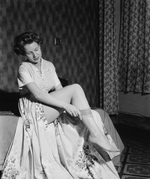 Stockings「Lady Of Milan」:写真・画像(10)[壁紙.com]