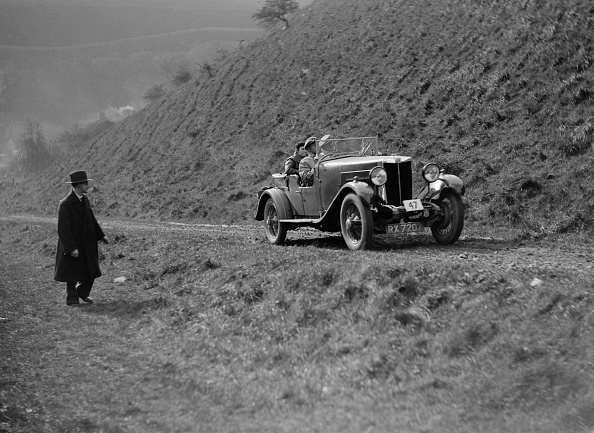 Country Road「MG 18/80 of CF Dobson competing in the MCC Sporting Trial, 1930」:写真・画像(16)[壁紙.com]