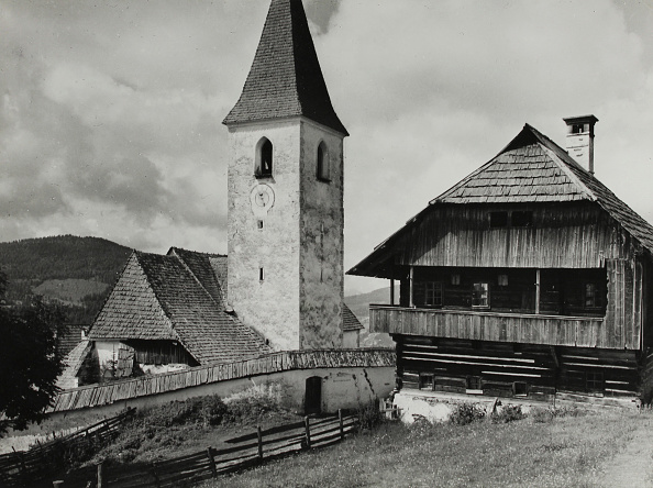 Gothic Style「Gothic Church And Rural Wooden Architecture In Carinthia. About 1935. Photograph.」:写真・画像(1)[壁紙.com]