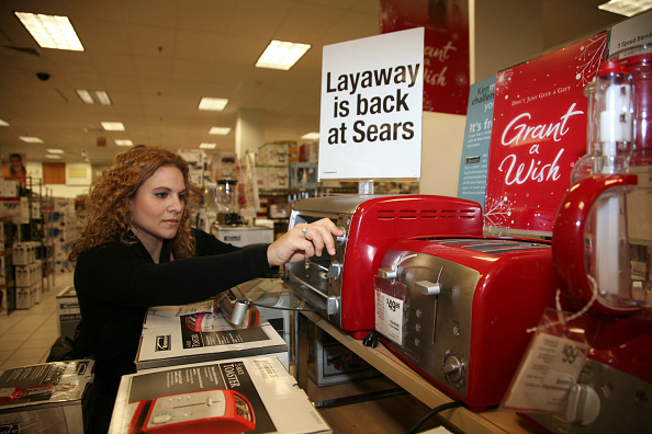 Sears Roebuck And Company「For Nervous Consumers, Layaway Becomes A Popular Option」:写真・画像(13)[壁紙.com]