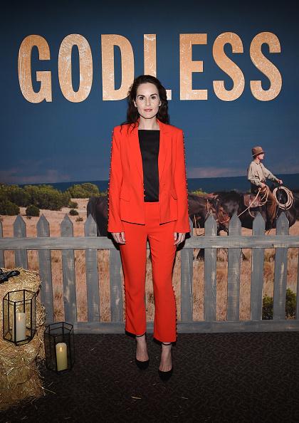 """Red Suit「Netflix Celebrates 12 Emmy Nominations For """"Godless"""" - Arrivals」:写真・画像(15)[壁紙.com]"""