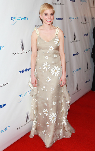 Evening Gown「The Weinstein Company And Relativity Media's 2011 Golden Globe Awards Party - Arrivals」:写真・画像(13)[壁紙.com]