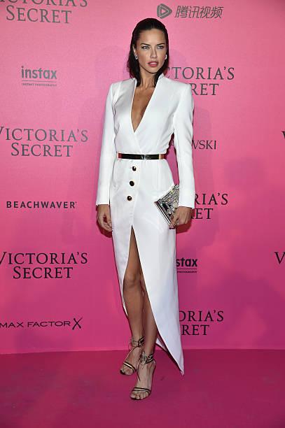 2016 Victoria's Secret Fashion Show in Paris - After Party - Arrivals:ニュース(壁紙.com)