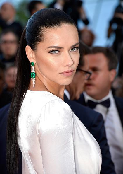 アドリアナ・リマ「'Julieta' - Red Carpet Arrivals - The 69th Annual Cannes Film Festival」:写真・画像(12)[壁紙.com]