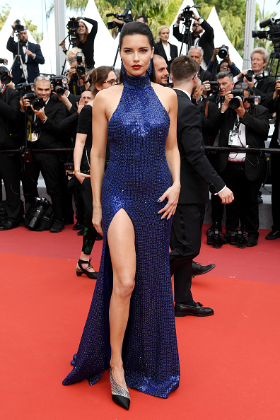 "Adriana Lima「""Oh Mercy! (Roubaix, Une Lumiere)"" Red Carpet - The 72nd Annual Cannes Film Festival」:写真・画像(4)[壁紙.com]"
