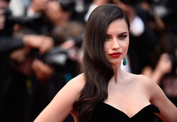 "Adriana Lima「""Sicario"" Premiere - The 68th Annual Cannes Film Festival」:写真・画像(15)[壁紙.com]"