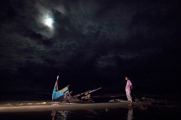 Paula Bronstein「Rohingya Refugees Flood Into Bangladesh」:写真・画像(3)[壁紙.com]