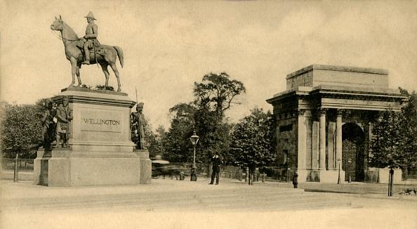 Post - Structure「Wellington Monument」:写真・画像(1)[壁紙.com]