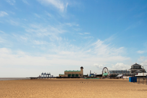 Great Yarmouth - Norfolk「Wellington Pier and Winter Gardens at Great Yarmouth」:スマホ壁紙(0)