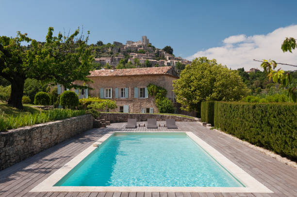 Artist's house in Provence, France:スマホ壁紙(壁紙.com)