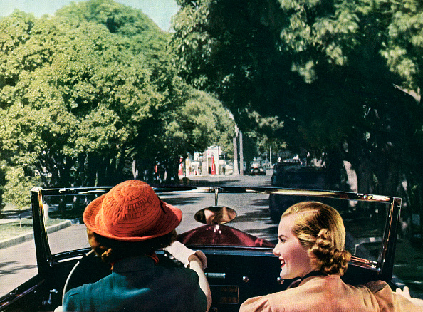 Two People「Two Women In A Convertible」:写真・画像(18)[壁紙.com]