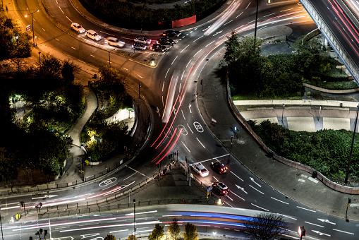 Driving「Crosstown traffic, aerial view at night」:スマホ壁紙(4)