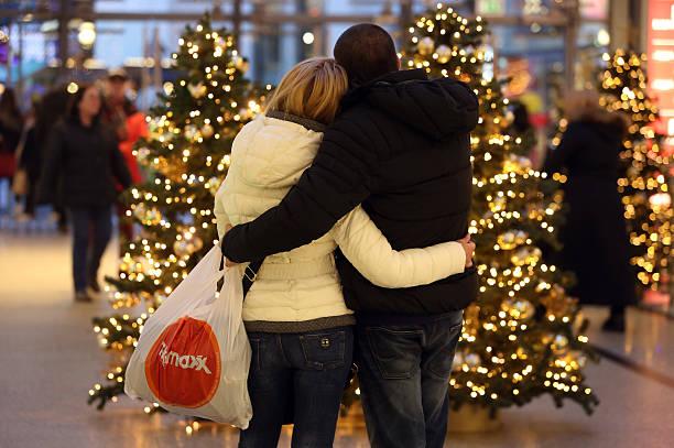 Retailers Prepare For Christmas Season:ニュース(壁紙.com)