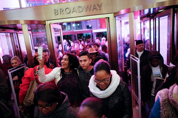 顧客「Retailers Open On Thanksgiving Evening, Starting Black Friday Sales Early」:写真・画像(2)[壁紙.com]