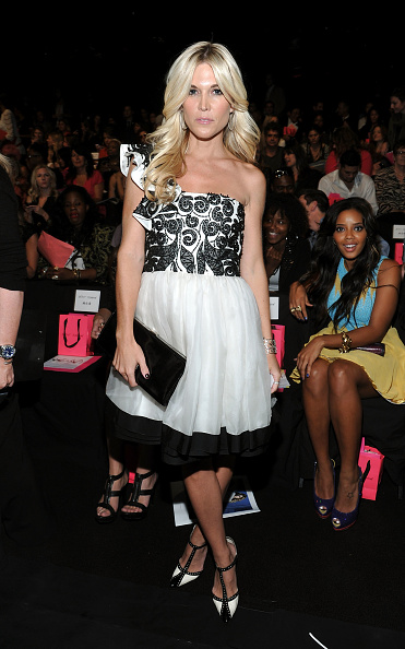 Spring Collection「Betsey Johnson - Front Row - Spring 2012 Mercedes-Benz Fashion Week」:写真・画像(17)[壁紙.com]