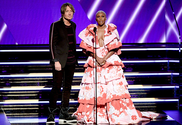 Two-Toned Dress「62nd Annual GRAMMY Awards - Show」:写真・画像(13)[壁紙.com]